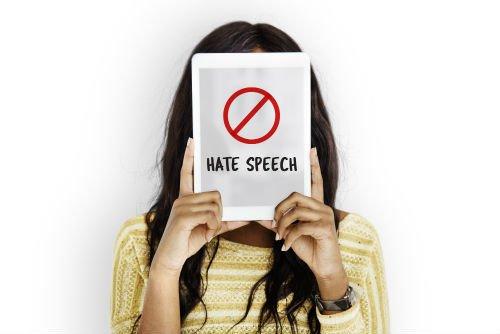 Usare hate speech sui social
