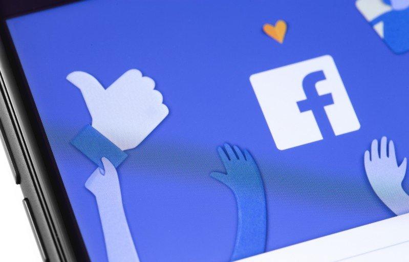 Gruppi Facebook_ le nuove regole per amministratori