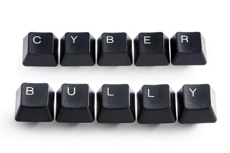 Le sfide dei social_ cyberbullismo, fake news